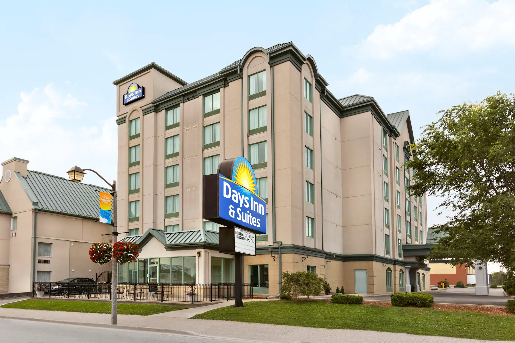 Days Inn & Suites Niagara Falls Centre Street